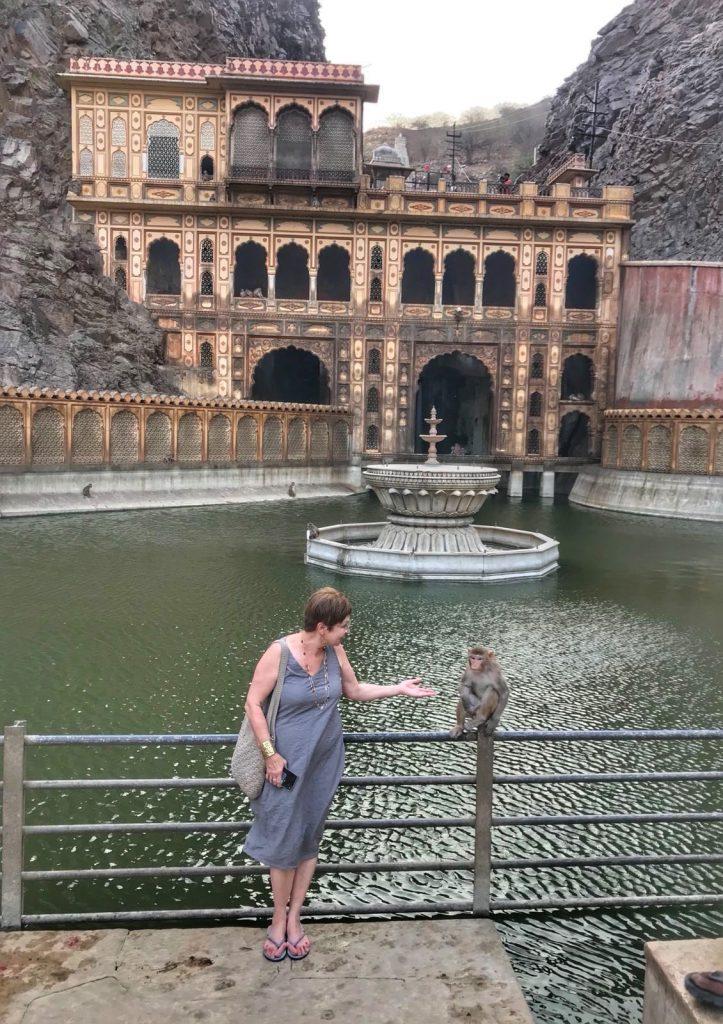 בתיה במסע להודו